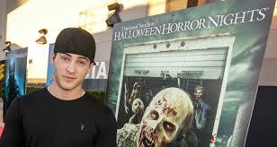 ellen halloween horror nights 2015 cody christian u0026 ty simpkins keep it cool at universal studios