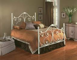 find out the reasons behind the popularity of wrought iron beds