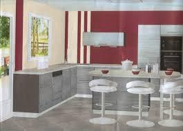 cuisine blanche mur framboise couleur mur pour cuisine blanche maison design bahbe com