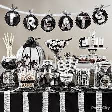 Candy Party Table Decorations Best 25 Halloween Candy Buffet Ideas On Pinterest Halloween
