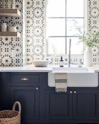 navy blue and white kitchen cupboards blue and white kitchen decor inspiration 40 gorgeous ideas