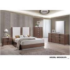 brooklyn br qb global furniture queen bed brown light hg