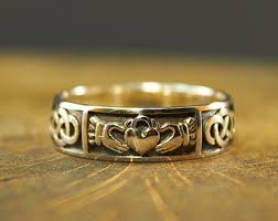 what is a friendship ring claddagh rings etsy