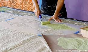 Painted Rug Stencils How To Stencil A Pretty Diy Rug With Chalk Paint U0026 Floor Stencils