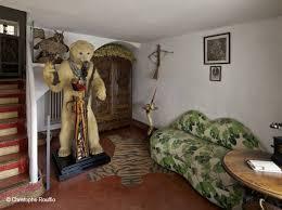 canapé bouche dali découvrez en exclusivité la maison de salvador dalí décoration