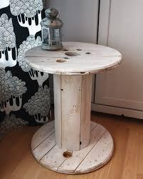 table basse touret bois touret table basse en bois blanc patiné par artodeco homify
