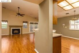 Sutter Oak Laminate Flooring 3927 Creekside Way Oakley Ca 94561 Listings Anthony Pigati