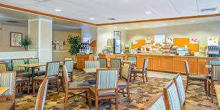 hotel in brattleboro vt holiday inn express brattleboro ihg