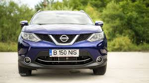 nissan qashqai yellow engine light 2014 nissan qashqai review autoevolution