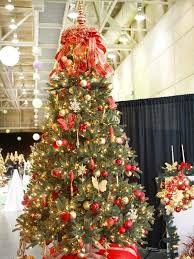pictures of christmas trees decorated in red christmas tree