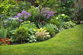 17 simple front yard landscaping ideas on a budget