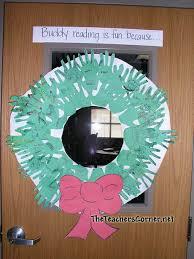 Christmas Decoration For Bulletin Board by December Bulletin Board Ideas
