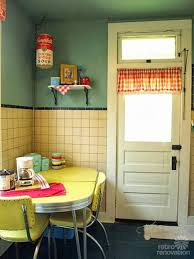 Yellow Retro Kitchen Chairs - best 25 retro table and chairs ideas on pinterest vintage