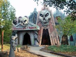 St Louis Six Flags Ticket Prices 5 Haunted Houses Ranked On A Scale Of Scariness