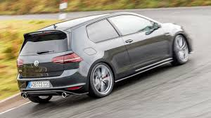 volkswagen golf gti clubsport s 2016 review two minute road test