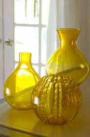 Vintage Yellow Glass Vase Best 25 Yellow Vase Ideas On Pinterest Yellow Things Yellow