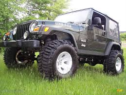 lifted jeep green 2004 moss green pearlcoat jeep wrangler willys edition 4x4