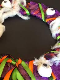 mini monets and mommies kids u0027 halloween wreath craft