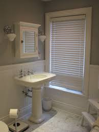 Beige Walls White Trim by Bathroom Beige Wall And White Wainscoting Bathroom With White