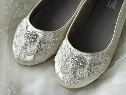 wedding shoes ideas beautiful crystal beads accessories on white