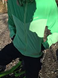 green cycling jacket review vaude fisk jacket total women u0027s cycling