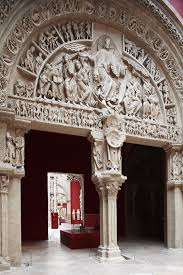 chambre d hote vezelay portail central du narthex de la basilique de vézelay la pentecôte