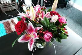 flower delivery reviews christmas flower arrangements by post merry christmas and happy
