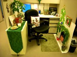 Cubicle Decoration Themes For New Year by Bedroom Delightful Images About Cubicle Decor Cubicles Office