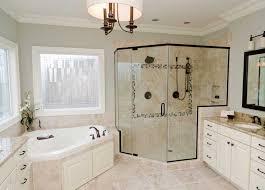 moderne badezimmer mit dusche und badewanne moderne badezimmer mit badewanne in ecke unter 2 fenster lapazca