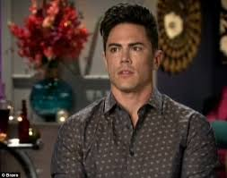 tom scandovals haircut vanderpump rules dramatic season opener as tom sandoval 31
