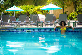 amenities and services mohegan sun pools
