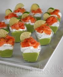 canap au saumon fum et mascarpone verrines avocat fromage à la crème aux herbes et saumon fumé