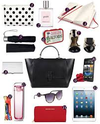 Best 25 Bag Essentials Ideas by Best 25 Work Bag Essentials Ideas On Accessorize Bags