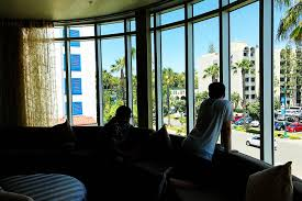 review of holiday inn express u0026 suites in anaheim resort area near