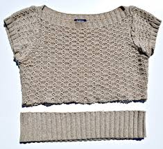turn a sweater into a cropped top delrae