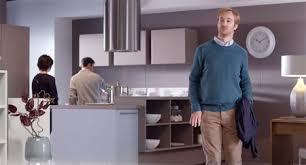 publicité cuisine cuisines schmidt le sur mesure n est plus un luxe packshotmag