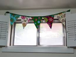 make this pennant banner tutorial