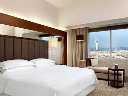 sheraton dubai mall of the emirates luxury hotel first class