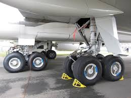 airbus a380 landing gear aircraft maintenance pinterest