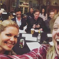 fuller house season 2 cast teases thanksgiving episode in