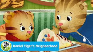 daniel tiger cake daniel tiger s neighborhood the smushed cake pbs kids