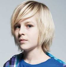 model rambut anak cowo gaya rambut panjang anak laki laki berponi panjang dan lurus govin