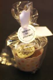 great way to package cupcakes cupcake wrapper cupcake and small