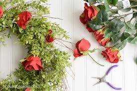 Kentucky Derby Flowers - diy kentucky derby wreath and video tutorial