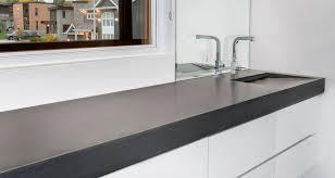 comptoir ciment cuisine béton multi surfaces le béton matière à espace de vie
