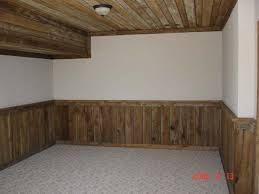 Wainscoting In Dining Room Best 10 Rustic Wainscoting Ideas On Pinterest Rustic Walls