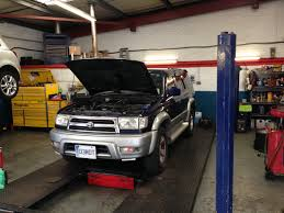 hilux surf car toyota hilux surf overheating and pink liquid coming from the