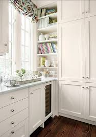 White Kitchen Cabinet Knobs by Best 20 Kitchen Cabinet Pulls Ideas On Pinterest Kitchen