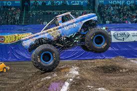 monster truck show houston 2015 big kahuna monster jam