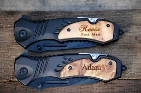 groomsmen knives 2 engraved folding knives groomsmen knife gifts personalized